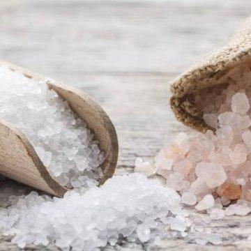 Ученые рассказали о пользе и вреде соли для организма