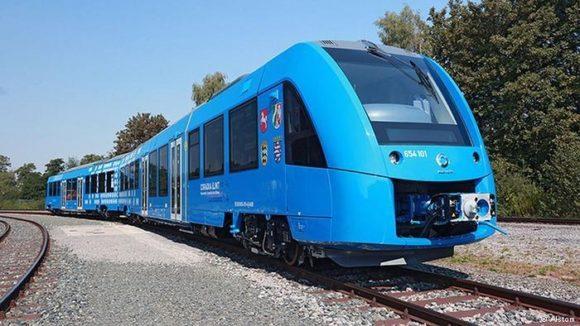Первый в мире поезд на водороде вышел в рейс в Германии