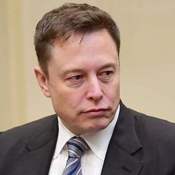 В США возбудили дело против главы Tesla Маска