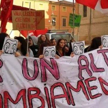 Антиправительственные протесты устроили студенты в 70 городах Италии