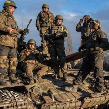 В Луганской ОГА сообщили о массированном обстреле Золотого