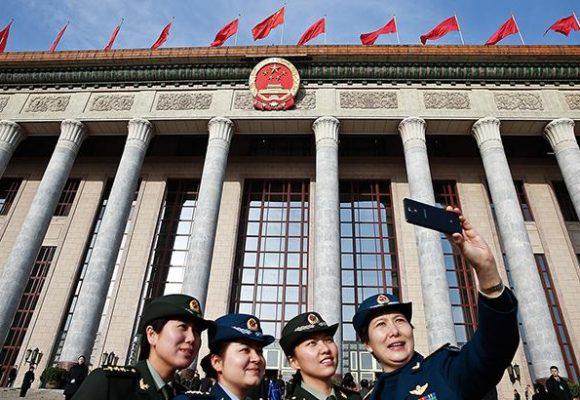 Китай планирует содействовать занятости населения из-за торговой войны с США
