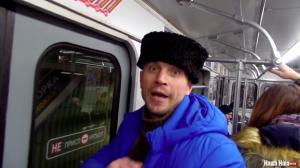 «Это угроза нашей безопасности»: кадры, как пророссийского казака под крики выгоняют из метро Минска, — видео