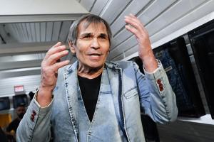 Семья Алибасова срочно увозит продюсера из России: «Спасать будем только за рубежом»