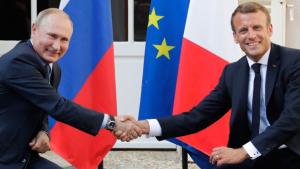 Макрон при Путине не назвал Россию агрессором или стороной конфликта на Донбассе — детали
