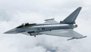 Истребители Британии перехватили военные самолеты РФ «Су-30» — Кремль удивил ответом: кадры