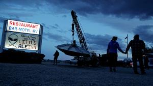 Штурм «Зоны 51» в Неваде: ВВС США готовы отбить атаку на секретную военную базу – онлайн-трансляция