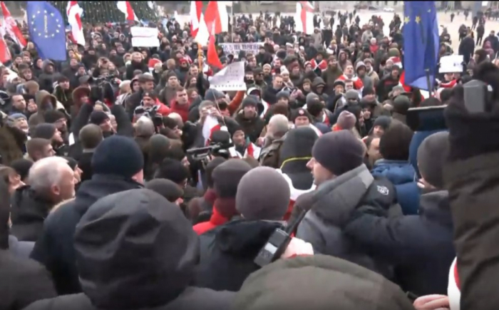 В Минске тысячи вышли против «Союзного государства» — кадры народного протеста